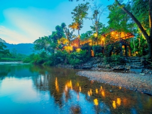 Art's Riverview Lodge  Khaosok