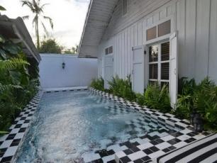 The Hen Hua-Hin Private Beach Villa
