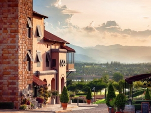 Toscana Valley Town Square Suite
